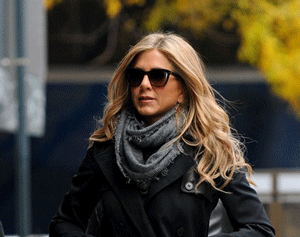 Jennifer Aniston Sunglasses  jennifer aniston s perfect style through the lens