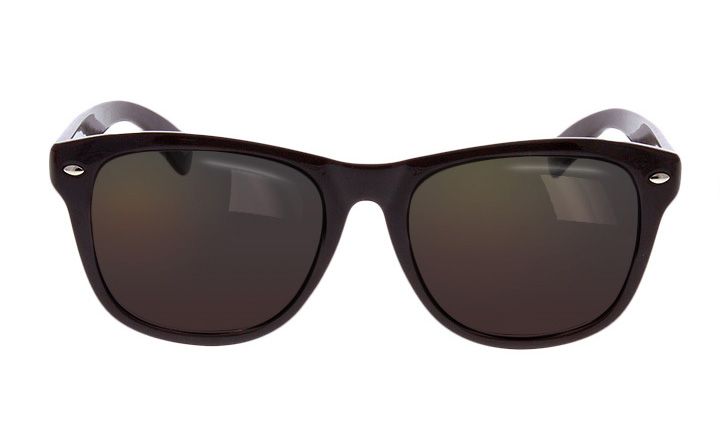 oversized tinted sunglasses