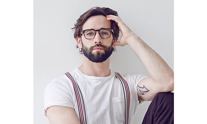 mens-medium-length-hairstyle-glasses