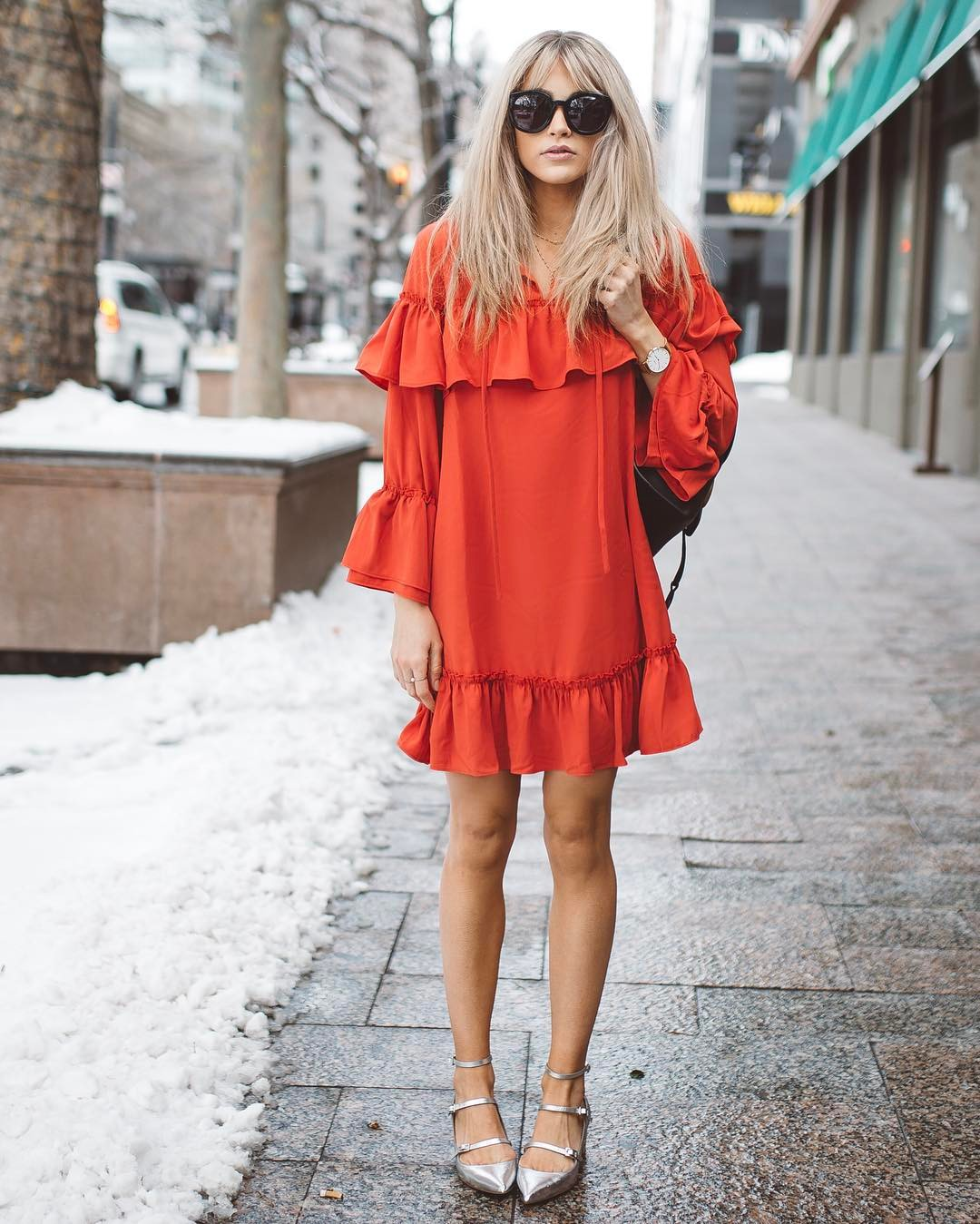 The new york vanity was named perfectly it has that city chic look - Cara Van Brocklin Is A Utah Based Wife And Mother Of Two Young Boys Who Has A Killer Sense Of Style And Some Seriously Perfect Hair