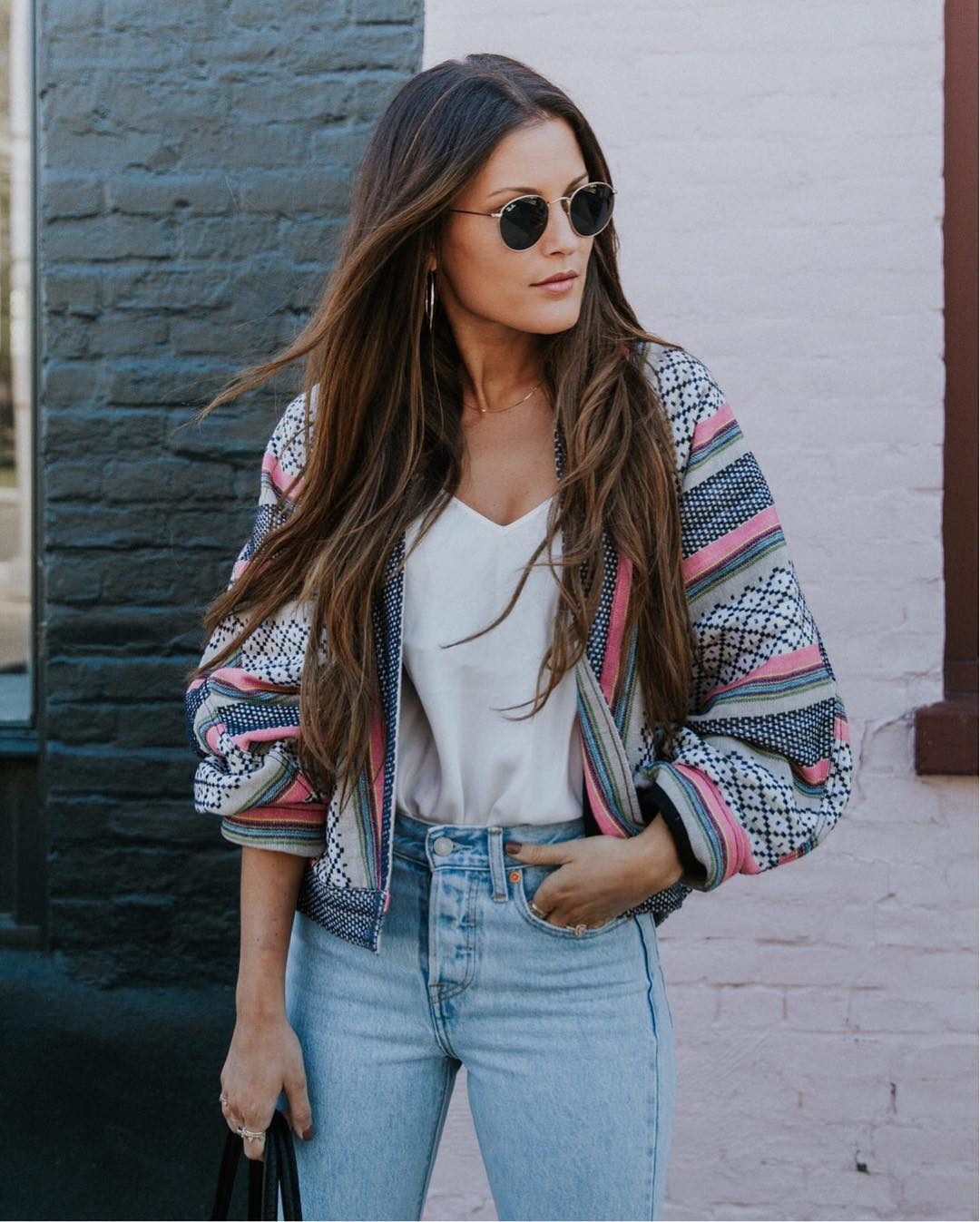 The new york vanity was named perfectly it has that city chic look - A New York Based Fashion Blogger With A Bohemian Edge Lindsay Marcella Has A Knack For Pulling Off Cozy Knits And Trendy Off The Shoulder Tops