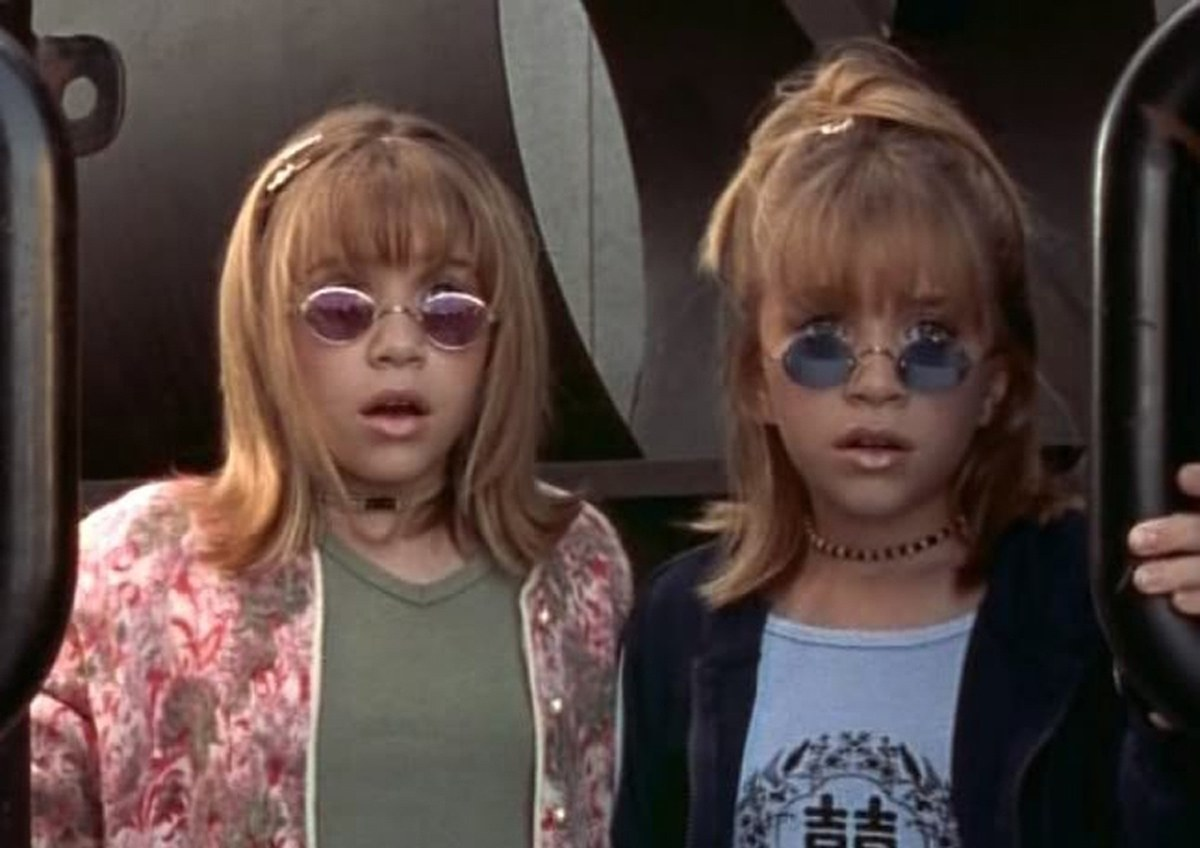 olsen twins in round glasses